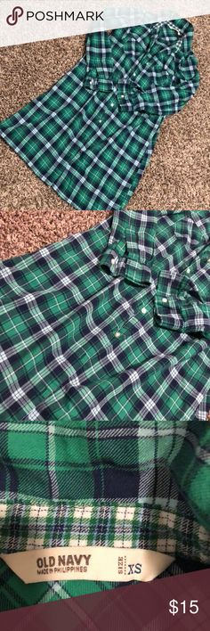 EUC- Long Plaid Green Flannel Old Navy Long Plaid Flannel- size extra small  Perfect to wear with leggings or knee high boots! Fits me like a dress. Old Navy Tops Button Down Shirts