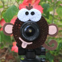 Crochet Camera Lens Shutter Buddy - Monkey (Etsy $15.99)