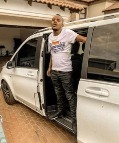 Here is a new banger from South African King of Amapiano Kabza De Small titled Done It Again Ft. Latest Music Videos, Latest Movies, Nigerian Music Videos, Audio Songs, Music Download, Hip Hop, African, Entertaining, Dj