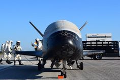"""""""The X-37B after landing this morning. It started as a NASA project, then to DARPA and now USAF. It's made by Boeing. https://t.co/uR5MHtjQZ1"""""""