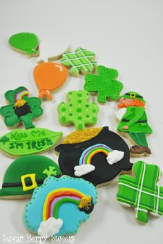 1 Dozen Saint Patrick's Day Sugar Cookies - Leprechaun - Irish - Ireland - Pot of gold - Clover - Shamrock - Rainbow - cute - Gift - party Irish Cookies, St Patrick's Day Cookies, Iced Cookies, Cute Cookies, Cookies Et Biscuits, Sugar Cookies, St Patricks Day Food, Saint Patricks, St Patrick Day Treats
