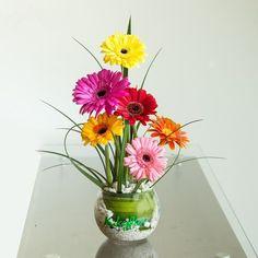 Resultado de imagen para arreglo floral de gerberas