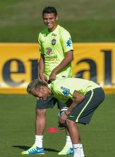BRASIL! Brazil Team, World Cup 2014, Neymar Jr, Basketball Court, Handsome, The Incredibles, Football, Running, Sports