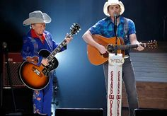 (AP) — Little Jimmy Dickens, a diminutive singer-songwriter known for his sense of humor and as the oldest cast member of the Grand Ole Opry, has died. Country Music Artists, Country Music Stars, Country Singers, Jimmy Dickens, West Virginia History, Celebrity Deaths, Grand Ole Opry, Brad Paisley, Country Boys