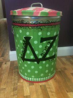 Hand painted trash can Delta Zeta Painted Trash Cans, Delta Zeta, Trash To Treasure, Cute Diys, Creative Ideas, Diy Ideas, Craft Ideas, Nifty, Pink And Green