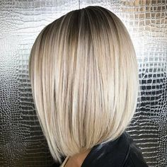 "ᎠᎪᏒ @dkenvy™ (@the.original.dk) on Instagram: ""Smooth as Butter!  . . #balayage #bob #lob #blonde #blondehair #blondeAF #blunt #shorthair…"""