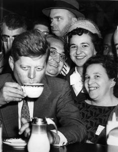 Things do not happen. Things are made to happen.  John Fitzgerald Kennedy (Brookline (Massachusetts), 29 May 1917 – Dallas (Texas), 22 November 1963)