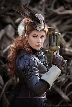 steampunk look: lady wearing jacket and hat