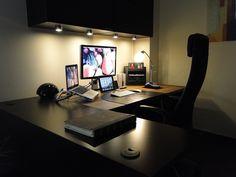 Apple Workspace Setup. Photo taken using Sony DSC-HX1. By psleda, from www.flickr.com #Office #Desktop #Apple