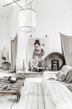 Stunning white industrial apartment in Milan (Daily Dream Decor) Home Interior, Interior Styling, Interior Design, Nordic Interior, Home Living, Living Room Decor, Room Inspiration, Interior Inspiration, Design Inspiration