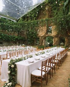@weddedwonderland - A tropical fairytale in the heart of Hawaii with a lavish amount of greenery and gorgeous fairy lights!