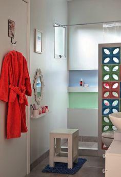 Revista MinhaCASA - Banheiro prático e cheio de borogodó