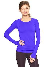 GapFit Motion perforated long-sleeve T