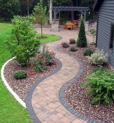 Getting a backyard landscape design will solely depend on the extent of your budget and your tastes too. In backyard landscape design, one must put into consideration the use they will put it into. Diy Garden, Garden Paths, Garden Ideas, Garden Design Ideas, Front Garden Path, Walkway Garden, Gravel Garden, Garden Borders, Wooden Garden