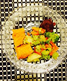 Vegetable mix, sweet potatoes and chicken. Healthy dinner