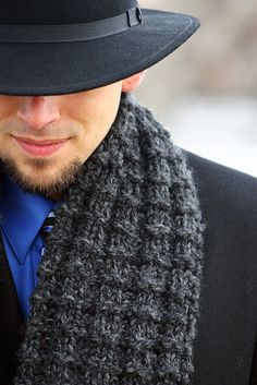 Another manly knit scarf pattern with thermal ridges: DIRECTIONS: CO 20 sts Thermal Stitch Pattern Row K Row K Row K P 2 Row K P 2 Continue in pattern until scarf is or to desired length. BO and weave in loose ends. Bonnet Crochet, Knit Or Crochet, Crochet Scarves, Crochet Shawl, Crochet Clothes, Crochet Mens Scarf, Crochet Stitch, Easy Crochet, Loom Knitting