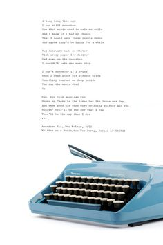 The portable typewriter Remington Ten Forty / Sperry Rand was produced around 1972 in Holland, Netherlands. Its a lovely machine to write on and comes with rare Elegant Pica font.  The sleek and beautiful retro typewriter is in mint condition and proper working order. The body of the Remington Ten Forty is lightweight plastic in vibrant blue-turquoise color and the unique keys are split in white and black. The original black case is in fine shape and also made of lightweight plastic.  Th...