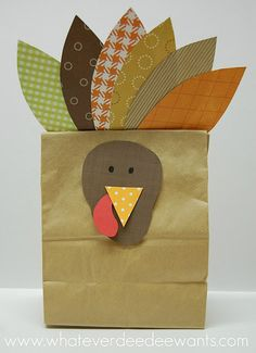 Turkey Treat Bag: Can be used to hold a treat like popcorn or as a place card if you put a name on it.