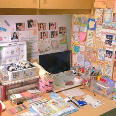 Cute Room Ideas, Cute Room Decor, Study Room Decor, Room Ideas Bedroom, Otaku Room, Pastel Room, Kawaii Room, Indie Room, Minimalist Room