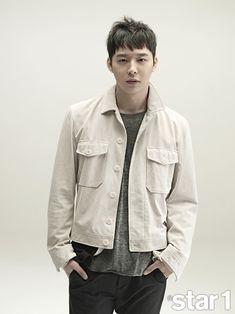Park Yoochun admits he feels awkward around Sensory Couple costar Shin Se Kyun