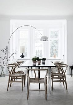 Beautiful Scandinavian Dining Room Design Ideas #diningroom #diningroomdesign #scandinaviandiningroomdesign Home Interior, Interior Decorating, Modern Interior, Decorating Ideas, Simple Interior, Nordic Interior, Bathroom Interior, Arco Floor Lamp, Turbulence Deco
