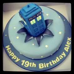 Repin if this awesome TARDIS birthday cake is awesome Geeky Food