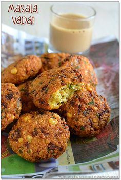 Masala Vada recipe or Paruppu Vadai or chana dal vada - famous South Indian fitters and savory snacks Pakora Recipes, Veg Recipes, Indian Food Recipes, Vegetarian Recipes, Snack Recipes, Cooking Recipes, Cooking Tips, Indian Foods, Curry Recipes