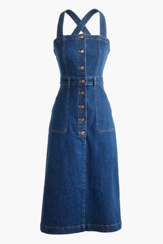 31 Dresses Summer Dresses Because The Weather's Obviously Skipping Right Over Spring - One of those closet essentials you must-have this season is this denim apron dress. The comeback of overalls is too real. Source by bellamaegray - Dress Outfits, Casual Dresses, Casual Outfits, Fashion Dresses, Cute Outfits, Denim Dress Outfit Summer, Jeans Denim, Jeans Rock, Denim Coat