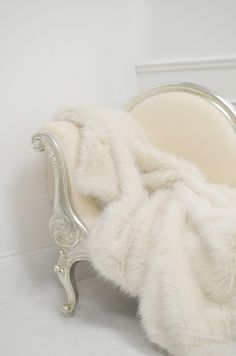 white fur and chaise Home Design, Interior Design, The Great Comet, Yennefer Of Vengerberg, Fur Throw, Throw Blankets, Emma Frost, White Queen, Rich Kids
