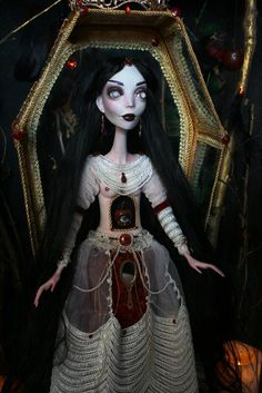 The doll is made of polymer clay LaDoll. Height about 70 cm. Gothic Horror, Horror Art, Art Dolls, Ooak Dolls, Gothic Dolls, Creepy Dolls, Doll Repaint, Custom Dolls, Tim Burton