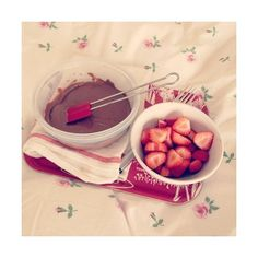 We Heart It ❤ liked on Polyvore featuring instagram, food, food and drink, icons and pictures