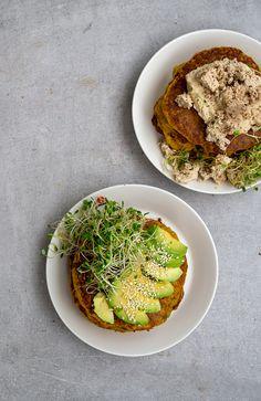 Porkkanaletut kahdella tapaa - Vege it! Avocado Toast, Vegan Recipes, Snacks, Drink, Breakfast, Food, Morning Coffee, Appetizers, Beverage