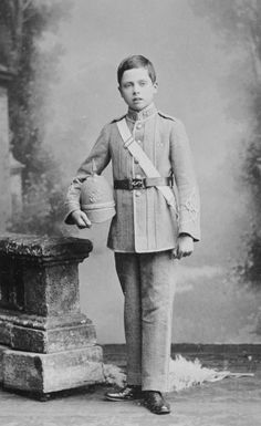 Prince Charles Edward, son of Prince Leopold, Duke of Albany Queen Victoria's youngest son, and Helena, princess of Waldeck and Pyrmont, Charles Edward inherited the title of Duke of Saxe-Coburg and Gotha. Lost his British honors and his territory post WWI. Supported Hitler.  Grandfather of Carl XVI Gustaf of Sweden, brother of Princess Alice, Countess of Athlone