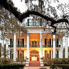 A Cajun Country Christmas   Contributor Paula Disbrowe hits the back roads of southern Louisiana for garland, gumbo, and no small amount of heaux, heaux, heaux. #countryhomes