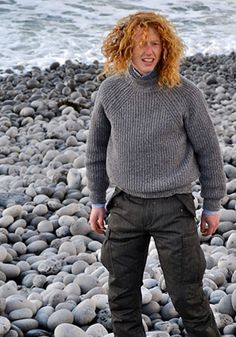 love the raglan decreases, knits by inis meain