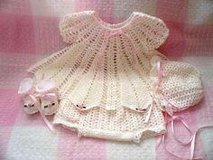 Mary Helen artesanatos croche e trico: Vestidos bebe