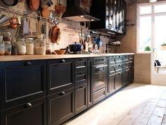 Cuisine Ikea Noire Four Noir Cuisine Noire Decor Ideas One Wall Kitchen, Kitchen Layout, Kitchen Decor, Kitchen Ideas, Brown Kitchens, Home Kitchens, Kitchen Appliance Storage, Kitchen Appliances, Kitchen Countertops