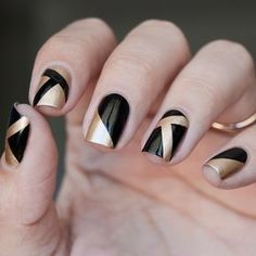 If after a while you want to get crazy, then go for black nail art designs! These interesting nails will surely keep you entertained! Black Gold Nails, Gold Nail Art, Black Nail Art, Metallic Nails, Acrylic Nails, Black French Nails, Glitter Gel, Pink Glitter, Black Art