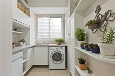 Construindo Minha Casa Clean: Áreas de Serviço Modernas com Bancada Branca!