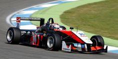 Max Verstappen vinculado a los programas para jóvenes de Red Bull y Mercedes