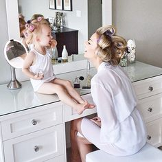 30 Ideas Baby Cute Girl Photo Shoots Mother Daughters For 2019 Mommy Daughter Pictures, Mother Daughter Photos, Mother Daughter Fashion, Mother Daughter Photography, Mother Daughters, Mommy And Me Photo Shoot, Girl Photo Shoots, My Baby Girl, Mom And Baby