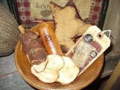 Grubby recipes: dip candles,hang tags, stuffed stars and hearts, cinnamon sticks, dried apples and oranges