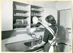 In the 1940s, inventor Maiju Gebhard calculated that the average household spent almost 30,000 hours washing and drying dishes over the course of a lifetime. Machines take less time but still require loading and unloading, cost money and occupy quite a bit of kitchen real estate. Sink-side racksadd labor and clutter while taking up space