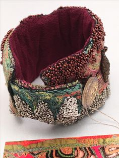 Gordana Brelih, beaded cuff, detail