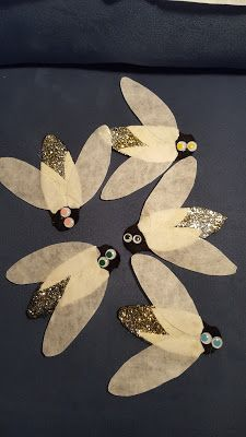 Fun with Friends at Storytime: Catching Fireflies Insect Crafts, Bug Crafts, Preschool Activities, Firefly Art, Firefly Serenity, Fireflies Craft, Art For Kids, Crafts For Kids, Catching Fireflies