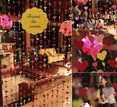 Milonga: E choveu amor...  Não é uma fofura essa cortina de corações?