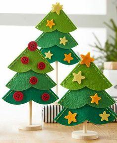 Resultado de imagem para ideas for felt christmas decorations Felt Christmas Decorations, Felt Christmas Ornaments, Christmas Projects, Simple Christmas, Kids Christmas, Felt Crafts, Holiday Crafts, Diy And Crafts, Alternative Christmas Tree