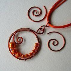 eva55 / Oranžový polmesiac - náhrdelník