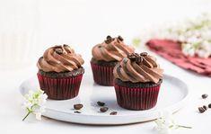 Cuketové muffiny s kávovým krémom Mini Cupcakes, Desserts, Basket, Dessert Ideas, Tailgate Desserts, Deserts, Postres, Dessert, Plated Desserts