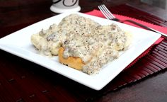 Big Bears Wife: Sausage Gravy and Biscuits #SundaySupper